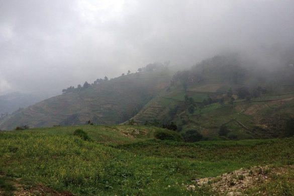 mountains grisailles temps nuageux